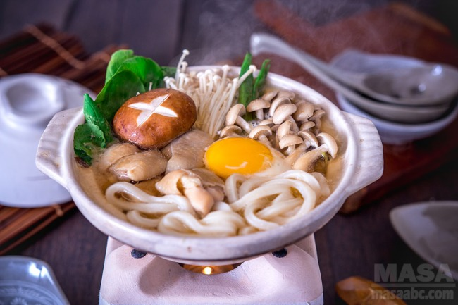 Japanese dishes udon recipe miso stewed chicken udon masas oec introducing very easy way to enjoy miso hot pot its called miso nikomi udon cooking chicken in miso based soup can release nice stock giving another forumfinder Images